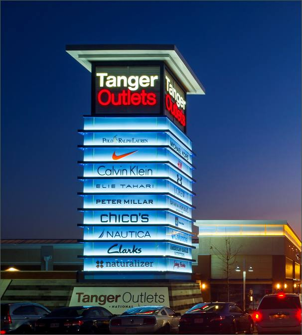 National Harbor MD: Tanger Outlets National Harbor