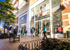 Downtown Silver Spring: H&M