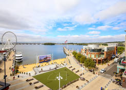 National Harbor: National Plaza