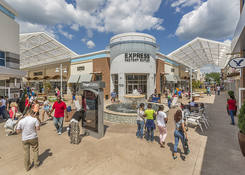 Tanger Outlets National Harbor : Express