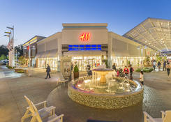 Prime Restaurant Opportunity at Tanger Outlets National Harbor: H&M