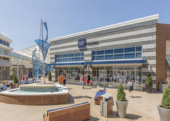 Prime Restaurant Opportunity at Tanger Outlets National Harbor: Gap