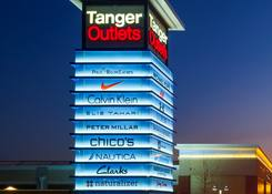Tanger Outlets National Harbor : Tanger Outlets