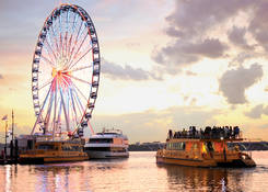 163 Waterfront Street - National Harbor: Water taxi and Capital Wheel